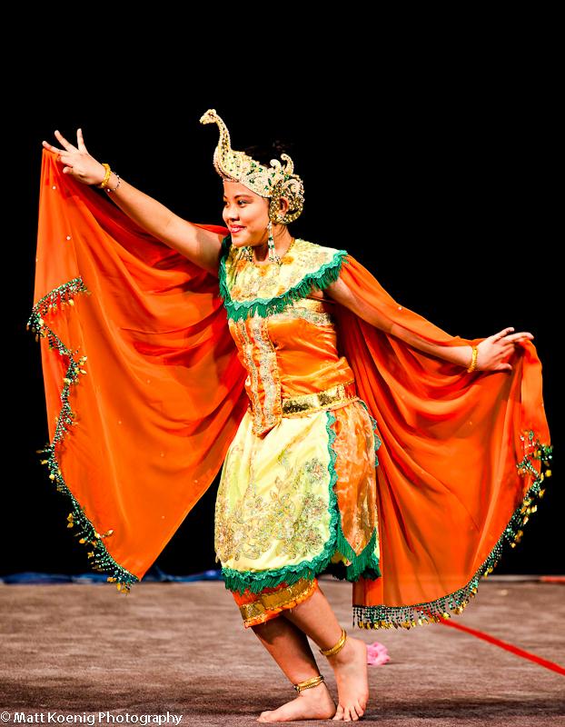 Balinese dancer at Oregon Asian Festival
