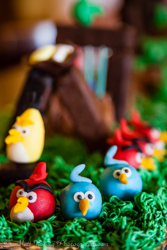 A playable Angry Birds Birthday Cake